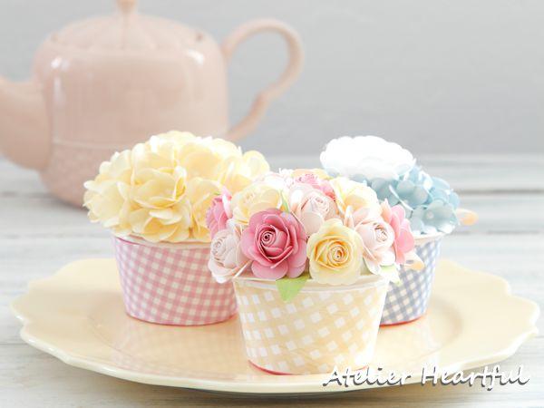 ペーパーフラワーカップケーキ